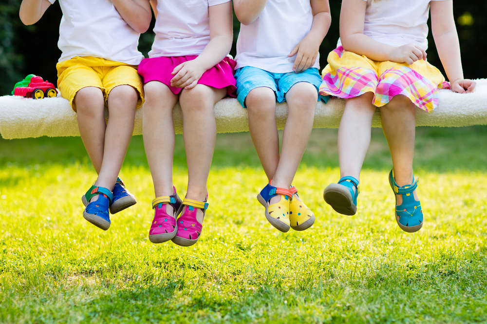 نتيجة بحث الصور عن çocukların ayakkabıları